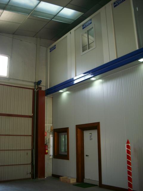 Alquiler y venta de casetas de obras y contenedores for Construccion de oficinas modulares